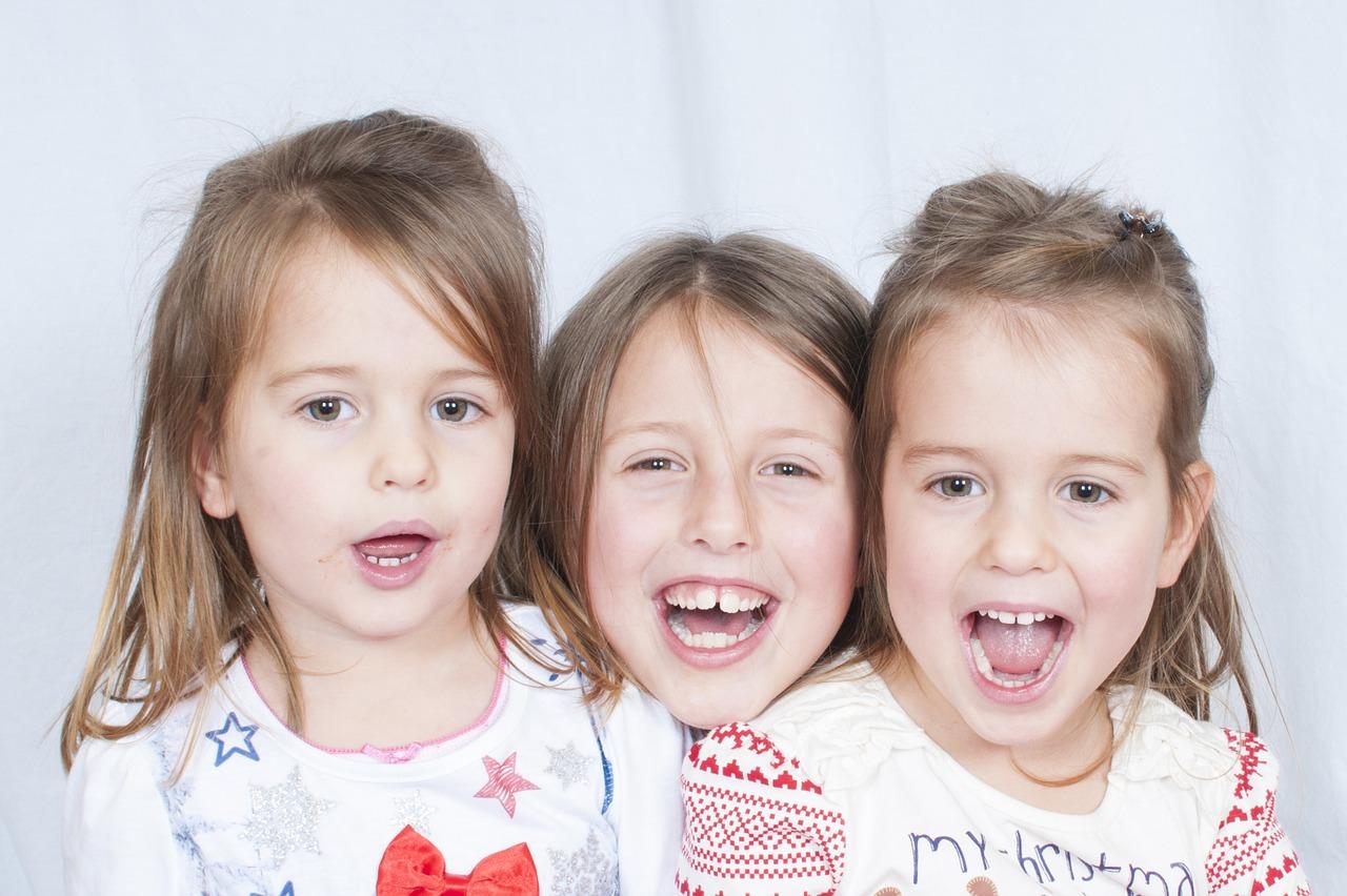 3人の女の子